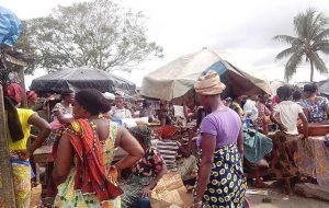 le marché d'Abobo, via commons.wikipédia.org